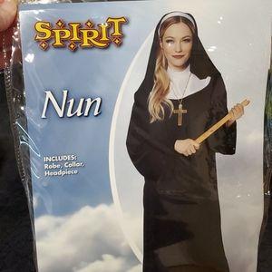 NWT Nun Halloween costume